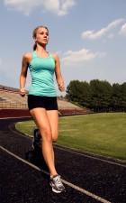 ung kvinne, fotografert, skrittlengde, morgen jogge
