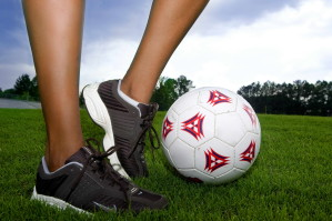 nuori nainen, peli, jalkapallo