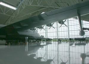 avion, hangar