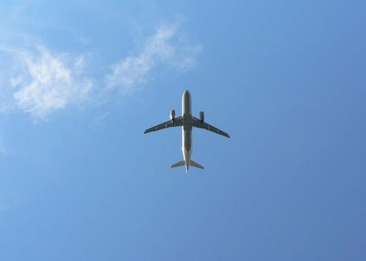 avion, nebo