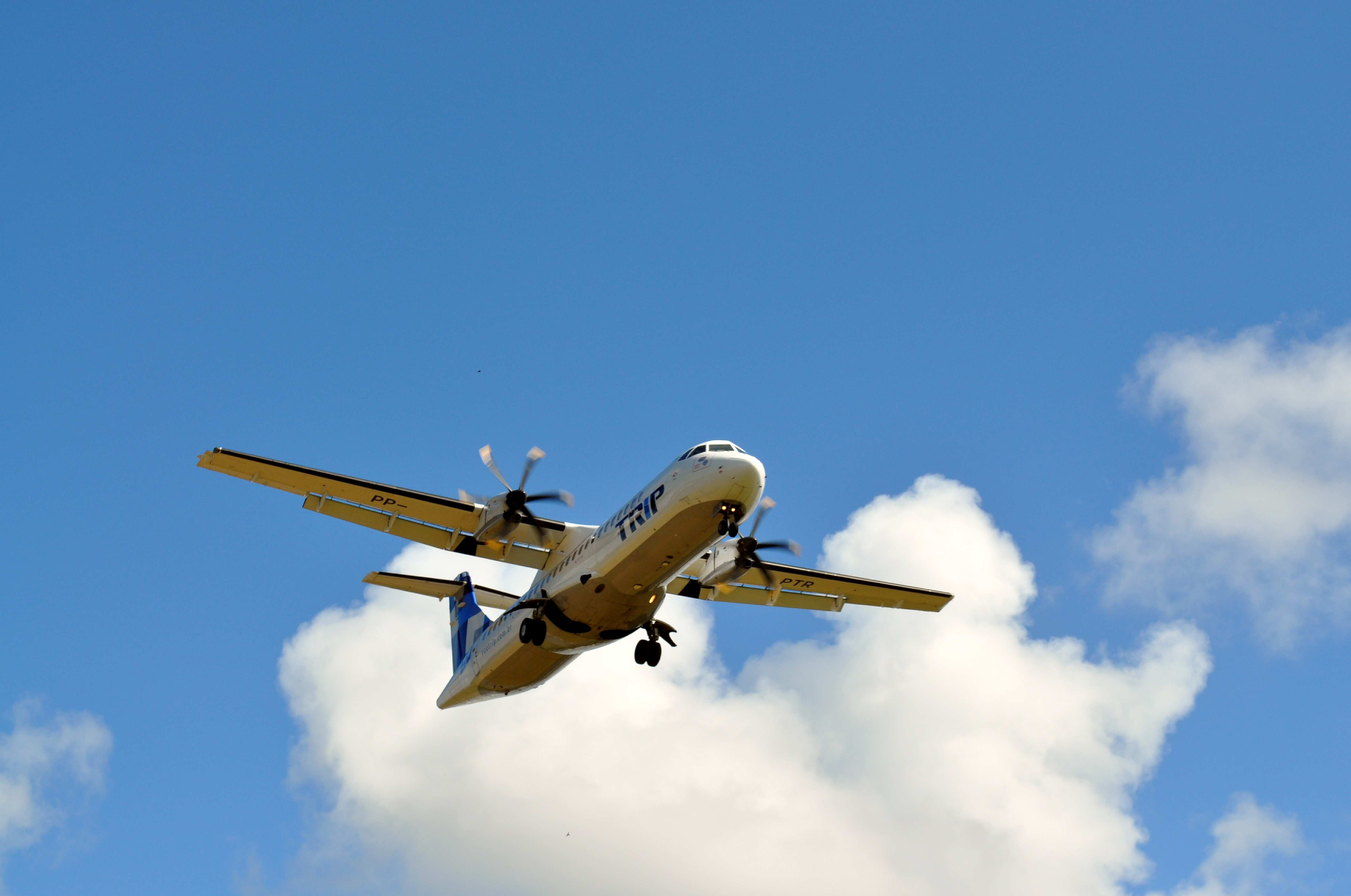 Free photograph; airplane, taking, airport