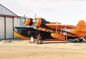 aeronaves de laranja, preto,