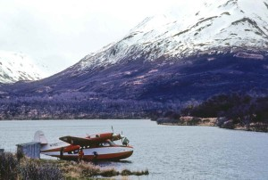 avion, Karluk, lac