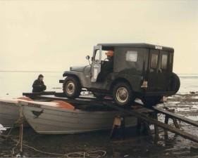 loading, carp, lagoon, crossing
