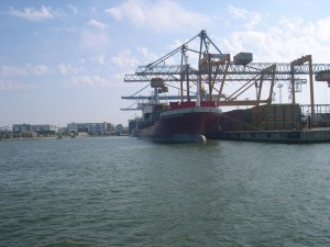 container, tàu chiến, Helsinki, port