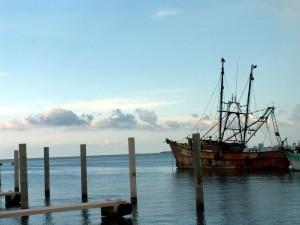 vieux, rouillé, bateau de pêche, amarré, port