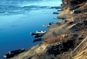 river, boats, tied, shoreline