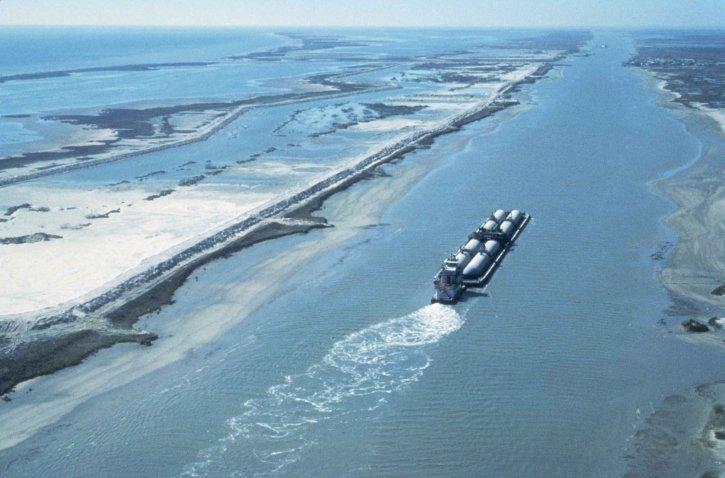 ship, barge, traffic