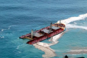 ship, werck, oil, spills, aerial perspective