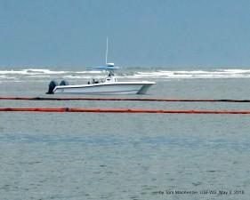 small, boat, sea, oil, spill, booms