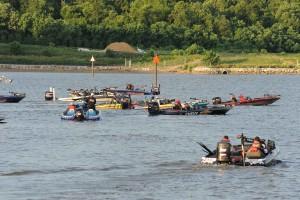 bateaux de vitesse, les loisirs, les gens, l'eau