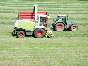combiner, tracteur, travail sur le terrain