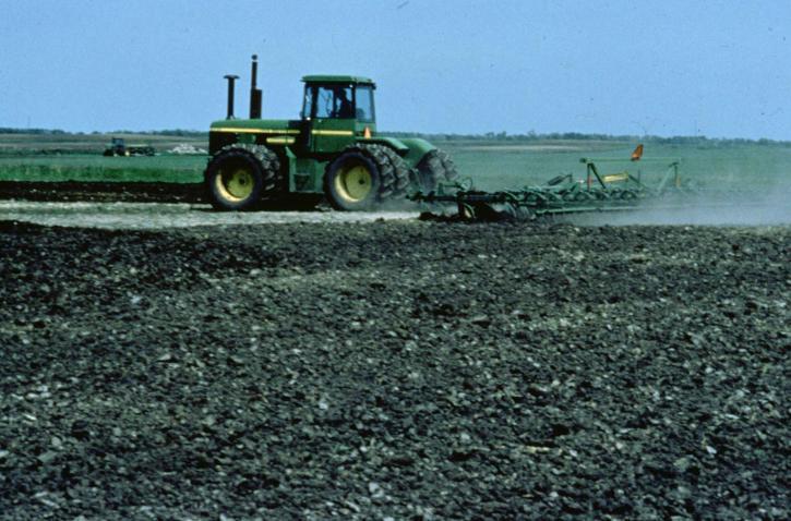 traktor, plug, polja, kultiviranog