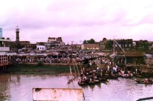 transporting, travelers, leaving, Dhaka, Bangladesh, taking, Barisal