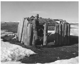 noir et blanc, image, hommes, devant, vieux, cabine