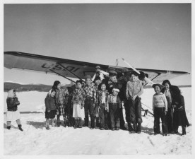 children, front, small, plane, skiis