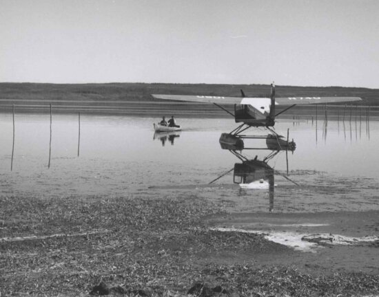 float, plane, aircraft, water, history, picture