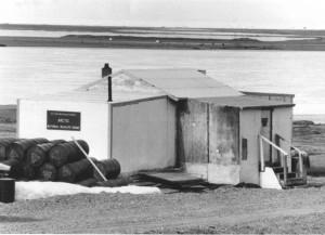 historiallinen, musta ja valkoinen valokuvaus, Arctic, erämaa, headquaters, Kaktovik
