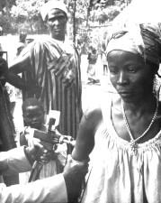 Fotografie, togoische, eine Frau, geimpft