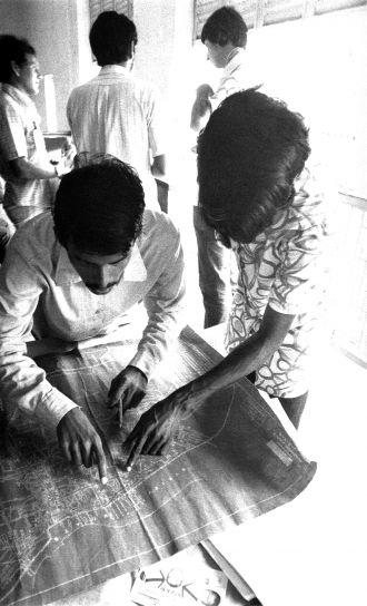 две, местни, Бангладеш, мъже, труд, анализиране, карта