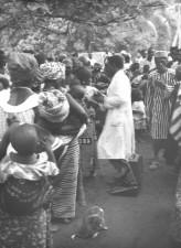nigerians, receiving, smallpox, vaccinations