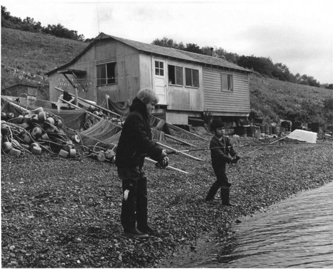 two boys, fishing, front, old, cabin