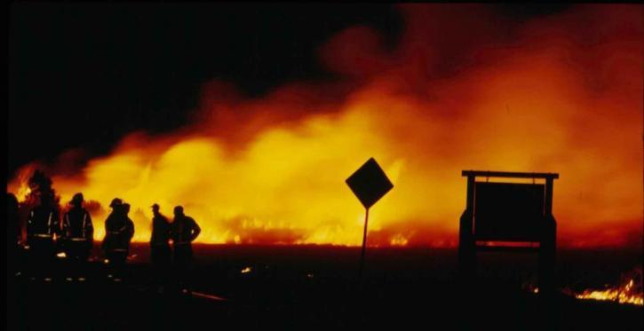 les pompiers, la nuit, le feu