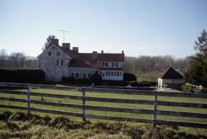 main, house, back, yard, farm